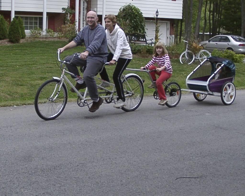Dis, comment on fait les vélos ? - Page 3 Veacutelosagrave5places005-Version2