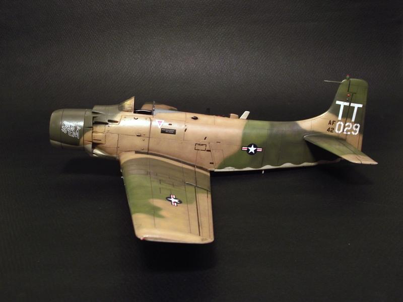 A-1J Skyraider  - Σελίδα 2 DSCF6372-