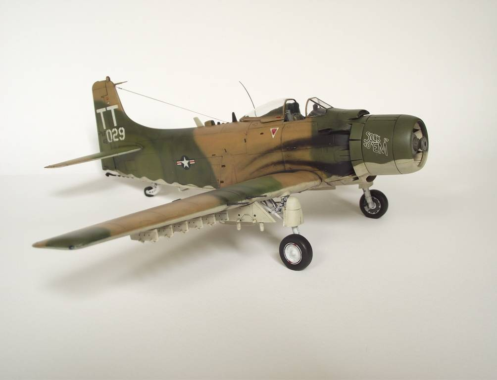 A-1J Skyraider  - Σελίδα 3 DSCF7401_zps873bb4ed