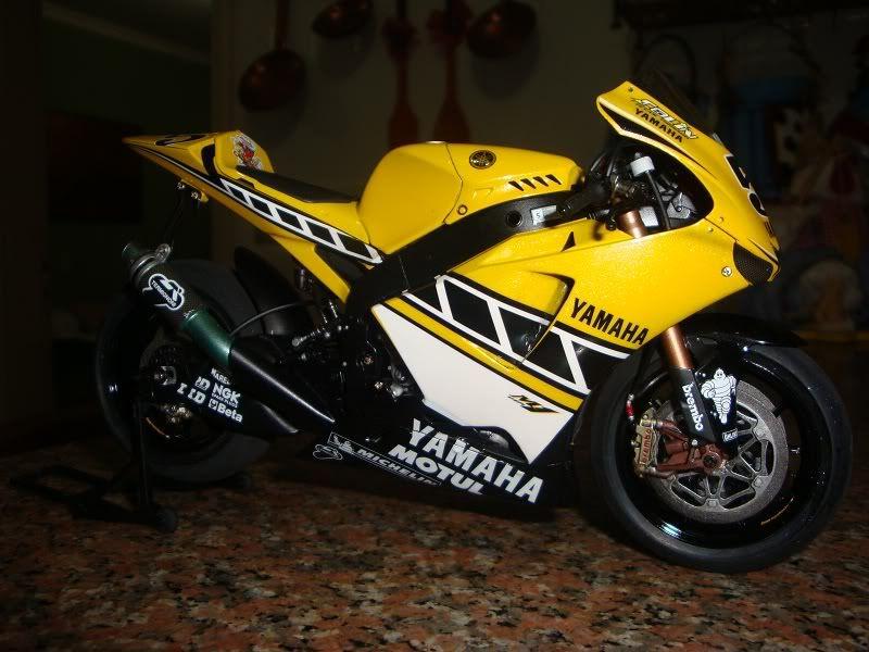 YAMAHA YZR - M1 DSC00558