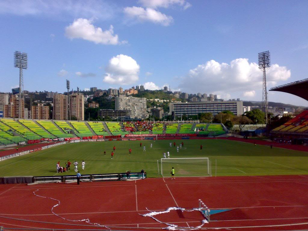 Caracas | Estadio Olímpico Universitario | 22.000 2486473092_f782cb19d4_b