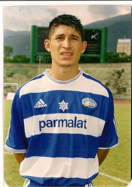 Evolución de Escudos | Deportivo Petare (Dvo. Italia) DIT5