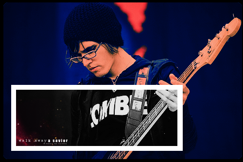 The Black Parade Is Dead:Live - Page 5 Mikey_way--large-msg-117806291267
