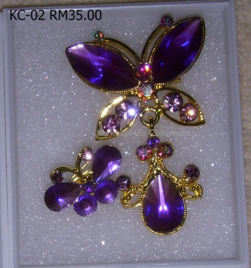 Swarovski Crystal & Pearl Brooches From Sabah KC-02-RM35-1