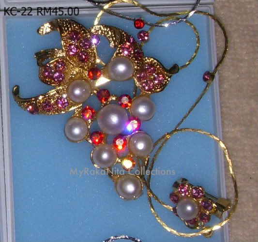 Swarovski Crystal & Pearl Brooches From Sabah KC-22-RM45-1