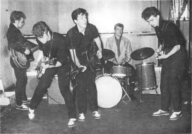 10/05/1960 (Wyvern Social Club, 108 Seel Street, Liverpool) 01-4