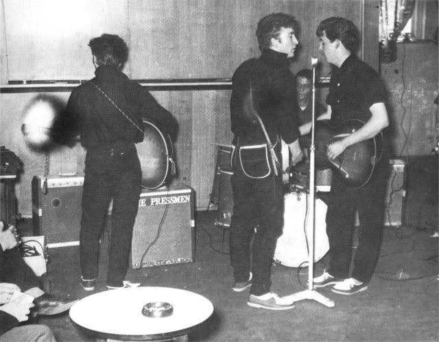 10/05/1960 (Wyvern Social Club, 108 Seel Street, Liverpool) 04-1