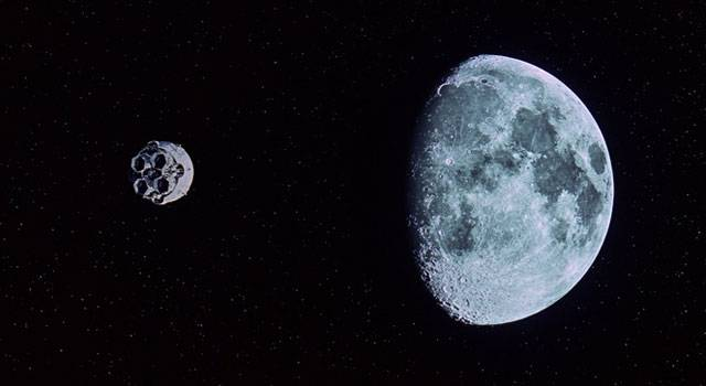 2001: A Space Odyssey (1968) 2001_moon