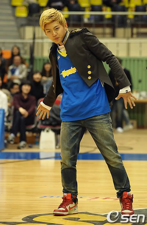 [PICS] 100223 Dongho Pro basketball Samsung vs LG 100223_02_ukissism_np2