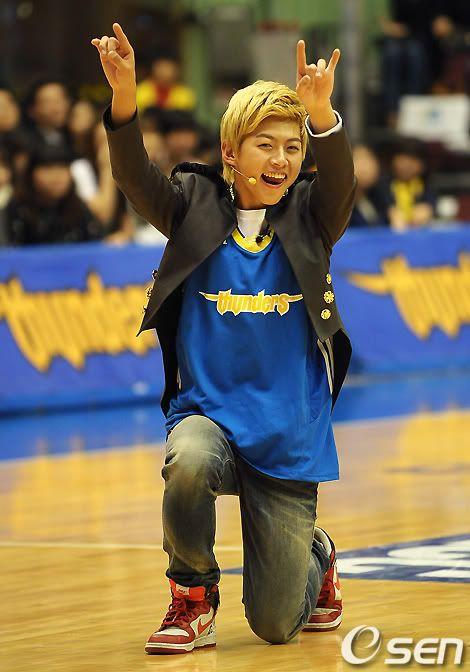 [PICS] 100223 Dongho Pro basketball Samsung vs LG 100223_07_ukissism_np2