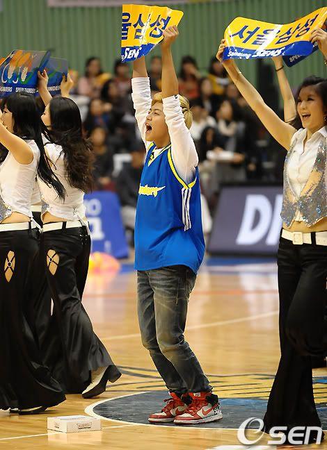 [PICS] 100223 Dongho Pro basketball Samsung vs LG 100223_08_ukissism_np2
