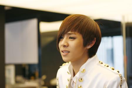[PICS] Alexander stylist's update *Bingeul Bingeul* 100216_03_ukissism_alexander
