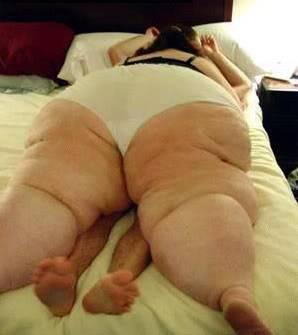 Clanwar vs ~EKC~ - Page 3 Fat-woman-sex