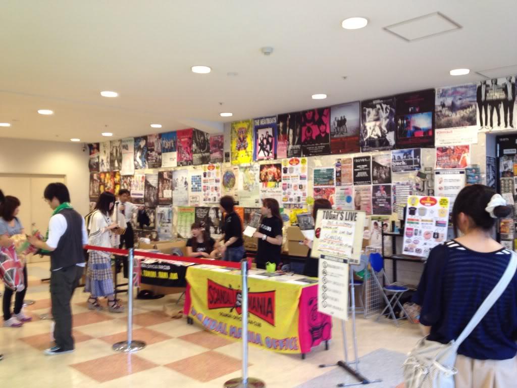 SCANDAL 「LIVE IDO LIVE」TOUR 2012 - Page 3 2ebaa684