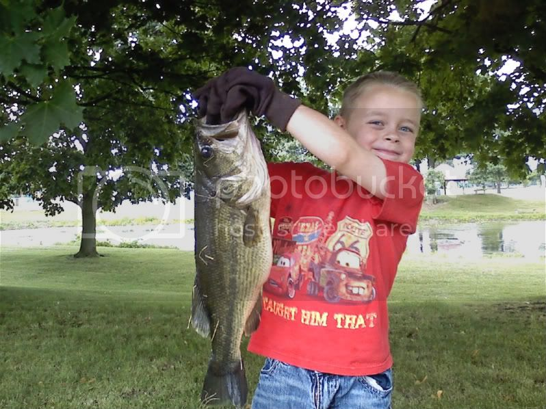 Took my son bassin again.....WOW is he lucky Dylans20incher45pounds-1