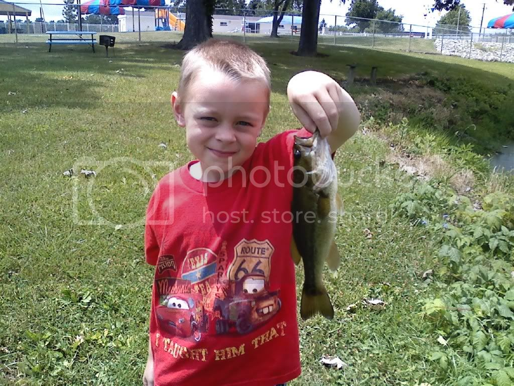 Took my son bassin again.....WOW is he lucky Millpond