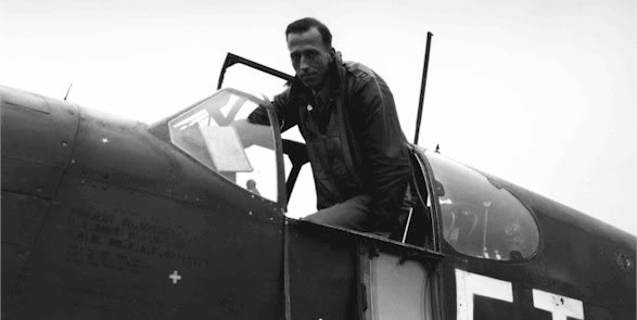 Actual WWII aircraft pictures - ALLIES 14howardfighterpilotgettingin