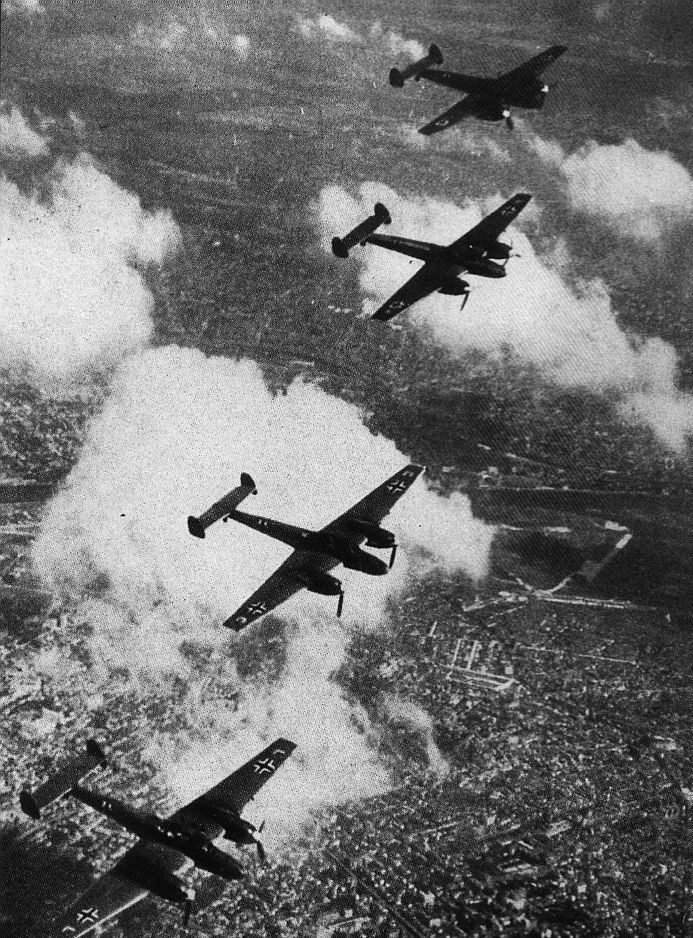Actual WWII aircraft pictures - AXIS 4Me110soverSouthernEngland1940