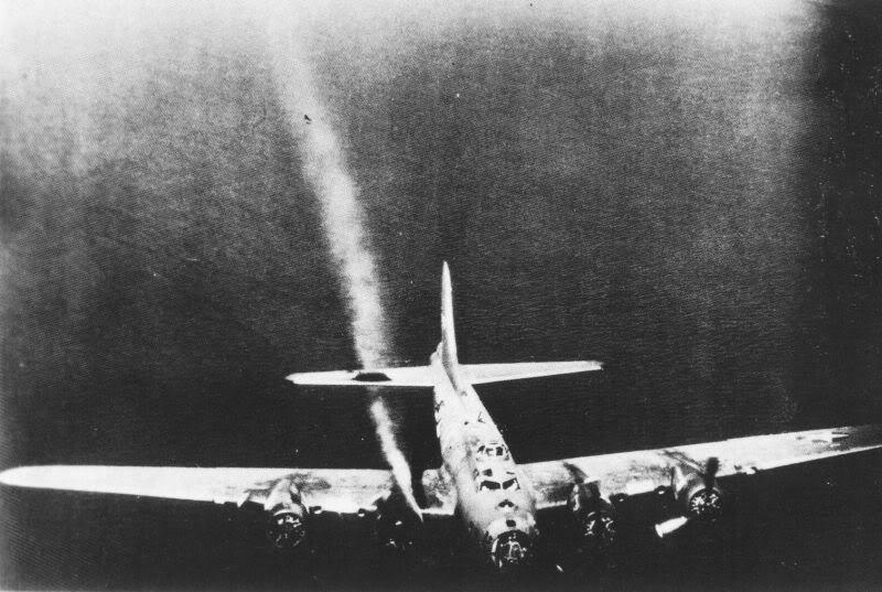 Actual WWII aircraft pictures - ALLIES B-17enginehitinNorway-smolderedallt
