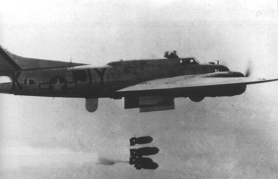 Actual WWII aircraft pictures - ALLIES B-17pathfinderwithH2Xradar