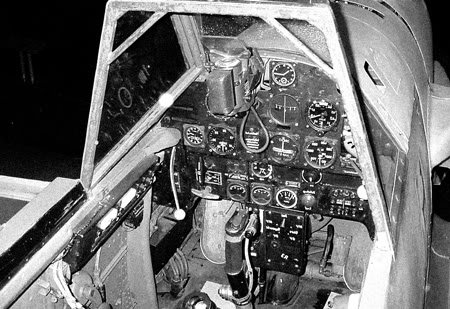 Actual WWII aircraft pictures - AXIS Bf_109_Cockpit_BW_450