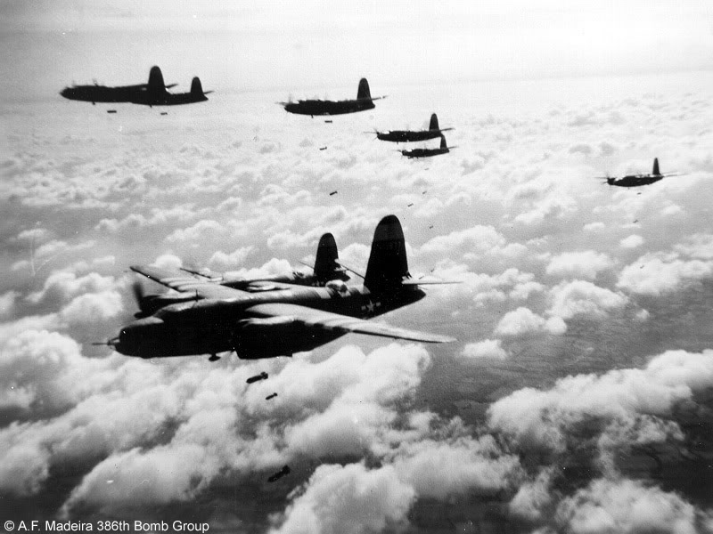 Actual WWII aircraft pictures - ALLIES BombsfromtwoflightsofB-26softhe386t