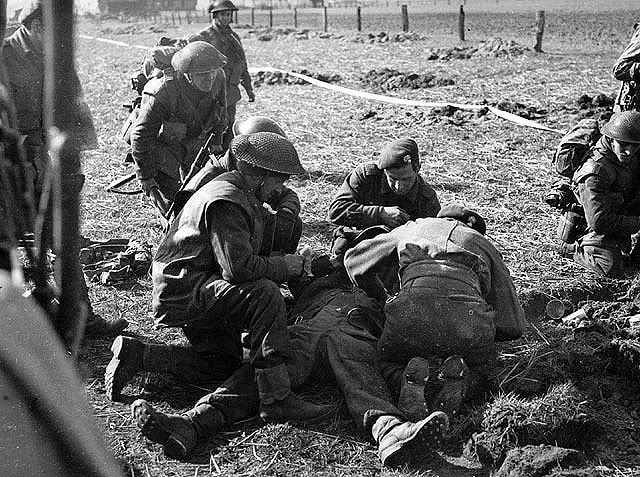 The liberation of The Netherlands CanadiansoldierwoudedbyGermansniper