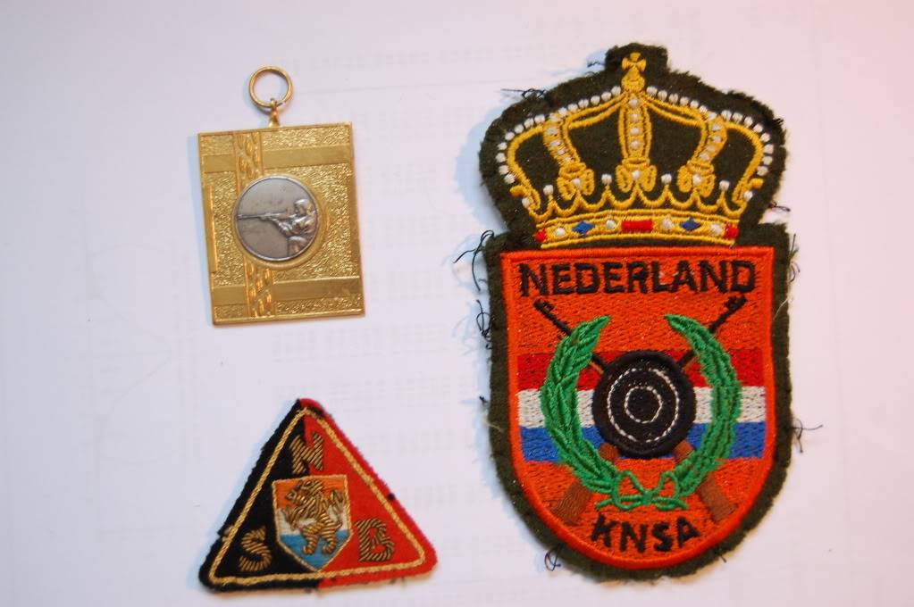 WW2 stuff and patches DSC_7672