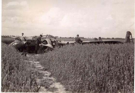 Lockhead P-38 based on a Dutch design? G-1330crashlandingaftertakingdown2G