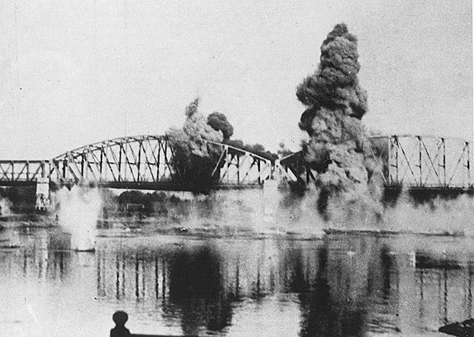 Operation Fall Gelb, Attack on Holland 10th may 1940 Gebombardeerdebrug