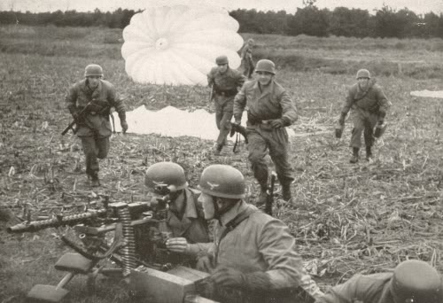 Operation Fall Gelb, Attack on Holland 10th may 1940 Germanfallschirmjager