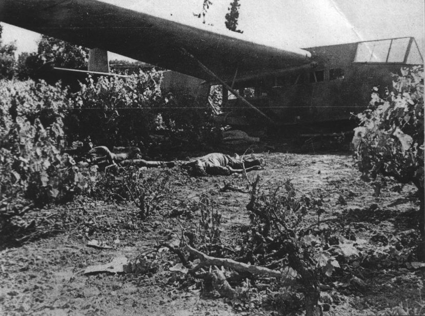 Actual WWII aircraft pictures - AXIS Gliderandcrewwreckage-Crete