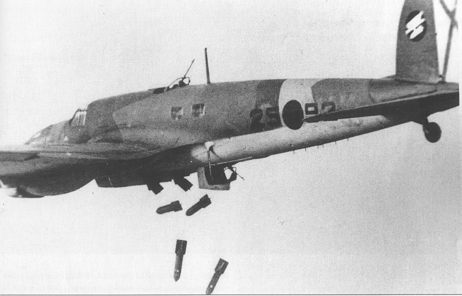 Actual WWII aircraft pictures - AXIS He111BfromKG88dropsbombsoverSpain19
