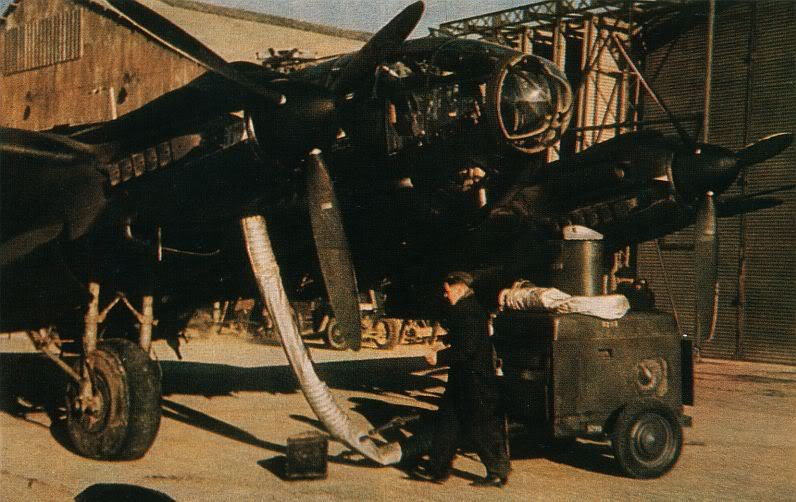Actual WWII aircraft pictures - AXIS He111engineprestartingheating