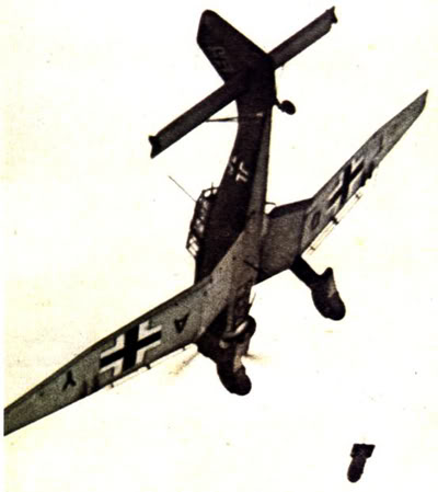 Actual WWII aircraft pictures - AXIS Ju_87_divingbombgone