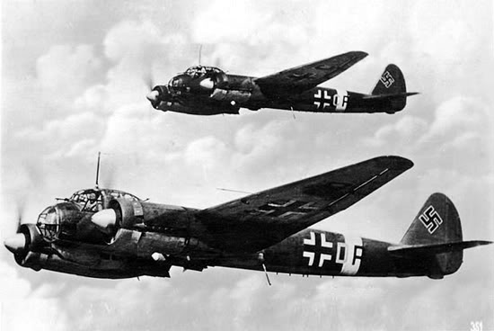 Actual WWII aircraft pictures - AXIS Ju_88_pair_550