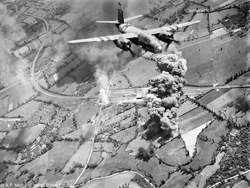 Actual WWII aircraft pictures - ALLIES MRFIVEBYFIVEB-26Marauderofthe555thB