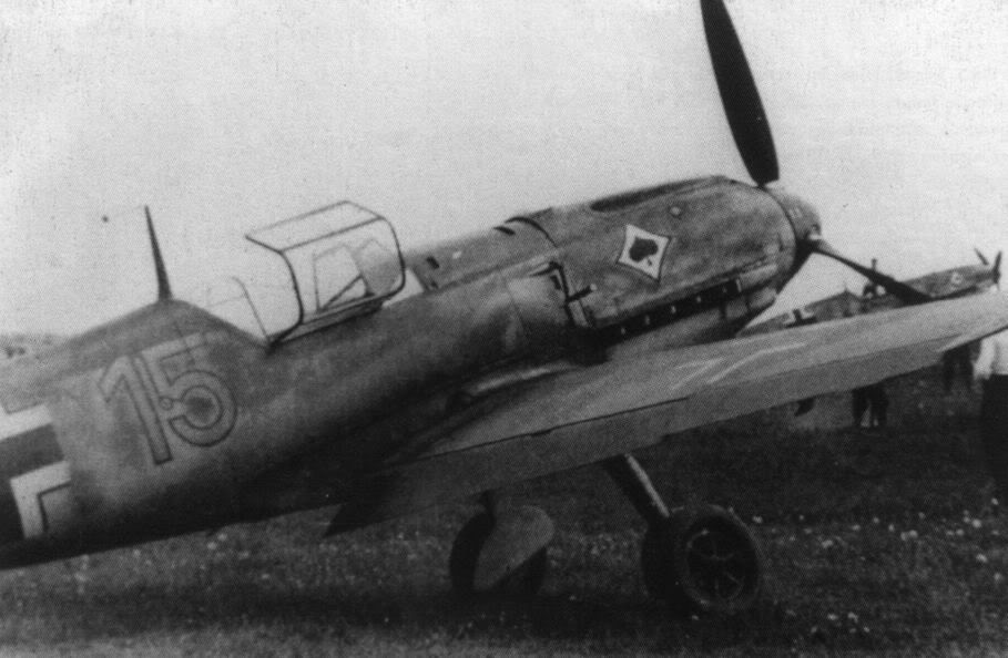 Actual WWII aircraft pictures - AXIS Me109EofJagdgeschwader53atreadiness