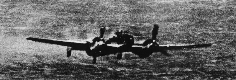 Actual WWII aircraft pictures - AXIS Me110ditchinginDerKanal1