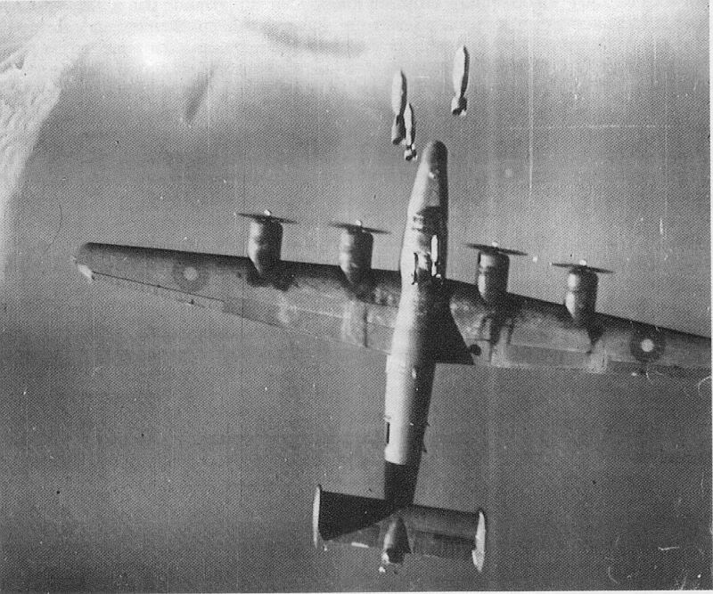 Actual WWII aircraft pictures - ALLIES RAF37SqnLiberatorVVictorhitby1000lb
