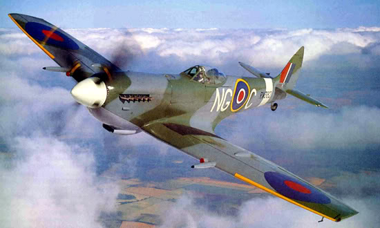 Actual WWII aircraft pictures - ALLIES Spit_inflight_color