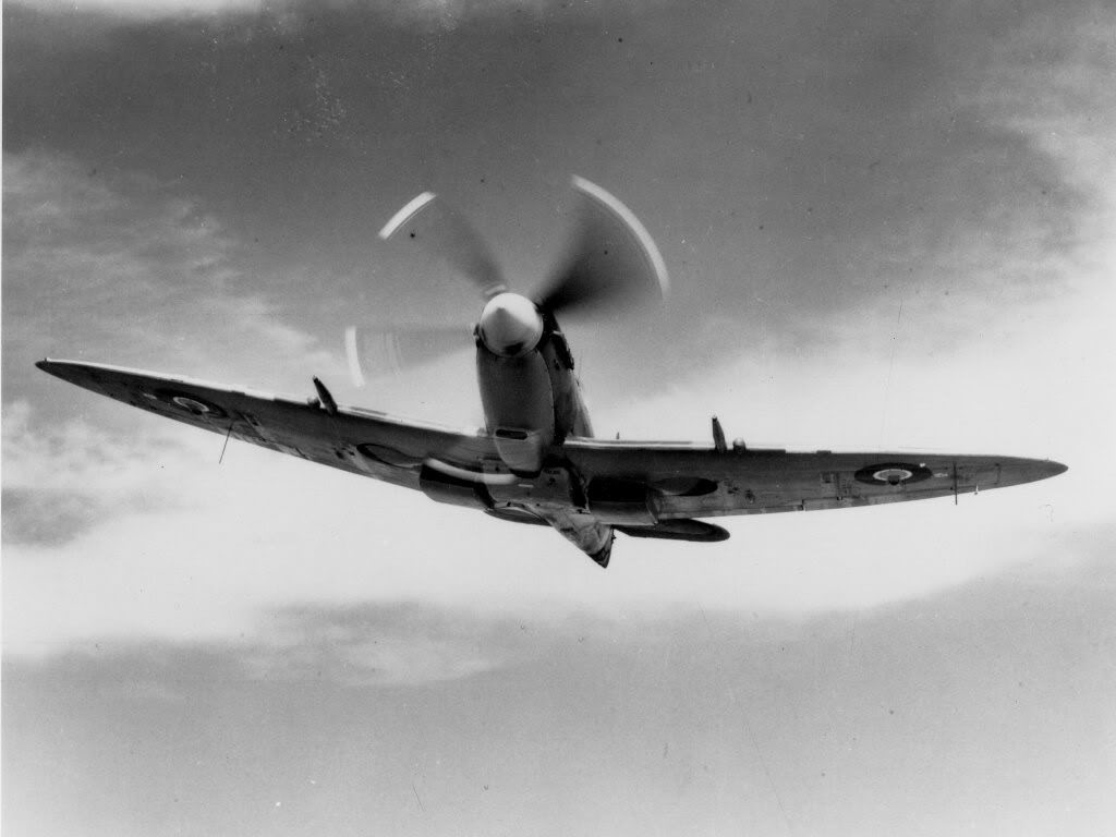 Actual WWII aircraft pictures - ALLIES Spitfirecool