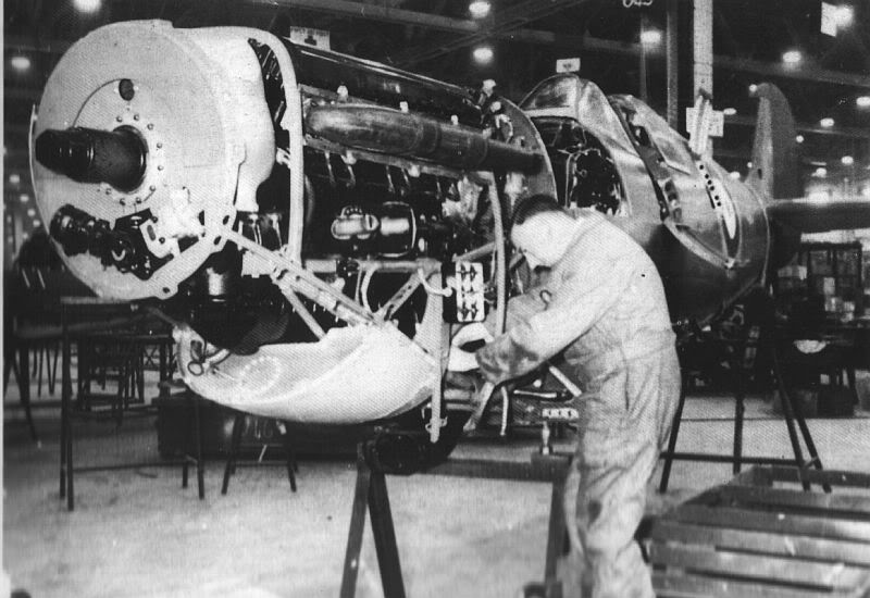 Actual WWII aircraft pictures - ALLIES Spitfireontheassemblyline