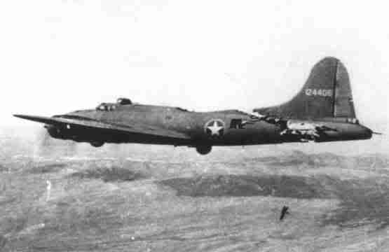Actual WWII aircraft pictures - ALLIES B17withabrokenbackinflight