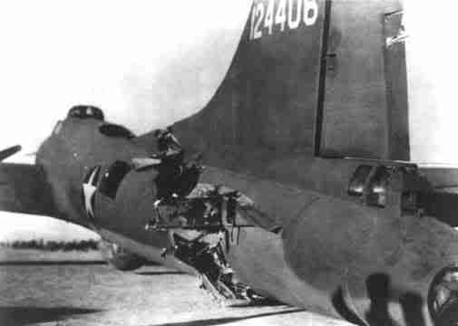 Actual WWII aircraft pictures - ALLIES B17withabrokenbackmadeithome