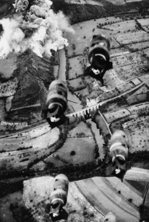 Actual WWII aircraft pictures - ALLIES Offthebombsgo