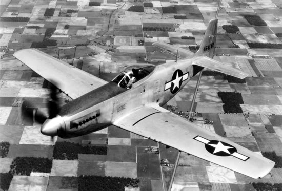 Actual WWII aircraft pictures - ALLIES P51_infl_fields