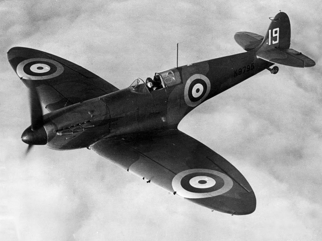 Actual WWII aircraft pictures - ALLIES Spitfireinbattleofbritain