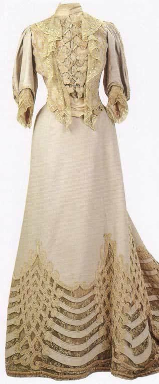 Vestido oficial de los Romanovs - Página 5 AlixVisitingDressbyBrisac-1