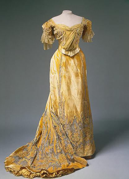 Vestido oficial de los Romanovs - Página 5 Alixdress